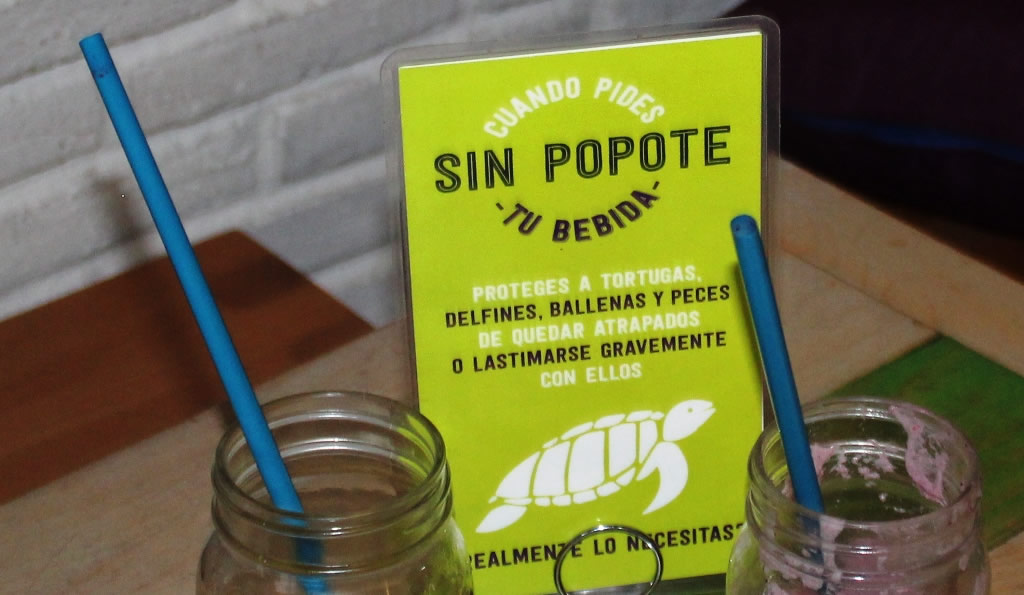 Despite the tent card, straws are served with beverages in La Paz, Mexico