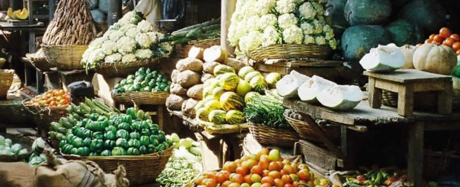 Veganism dominates the vegetable and bean market in Mysore, India